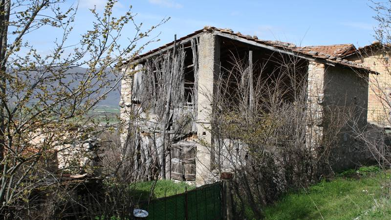 Farm building stone approximately 100 sqm, with garden and agricultura...