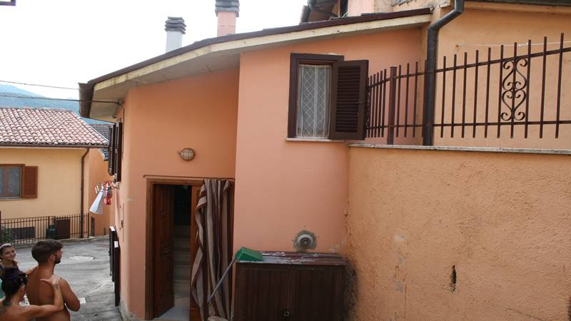 Single house on 2 levels of approximately  45 sqm with kitchen, 1 bedr...
