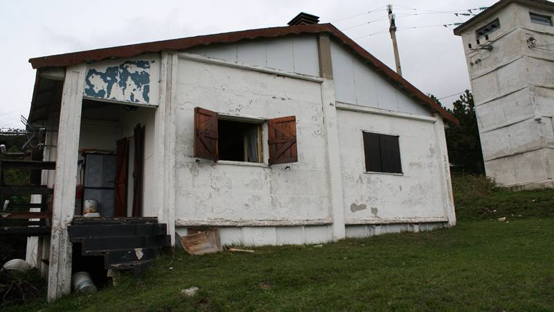Detached house of 60 square meters with land. kitchen, living room, 2 ...