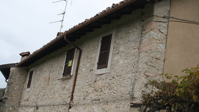 detached house of 60 sqm approx composed of kitchen with fireplace, tw...